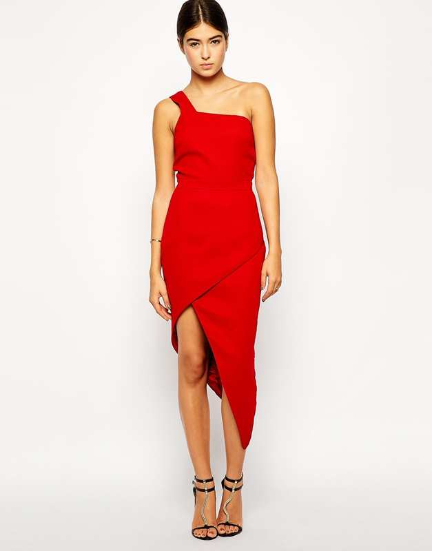 Robe rouge asymetrique st valentin