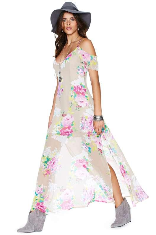 belle robe longue ete voile transparent blanc et fleurs