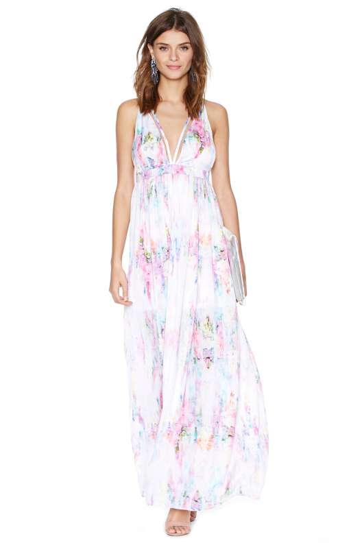 belle robe maxi ete mariage blanche et motifs fleurs claires