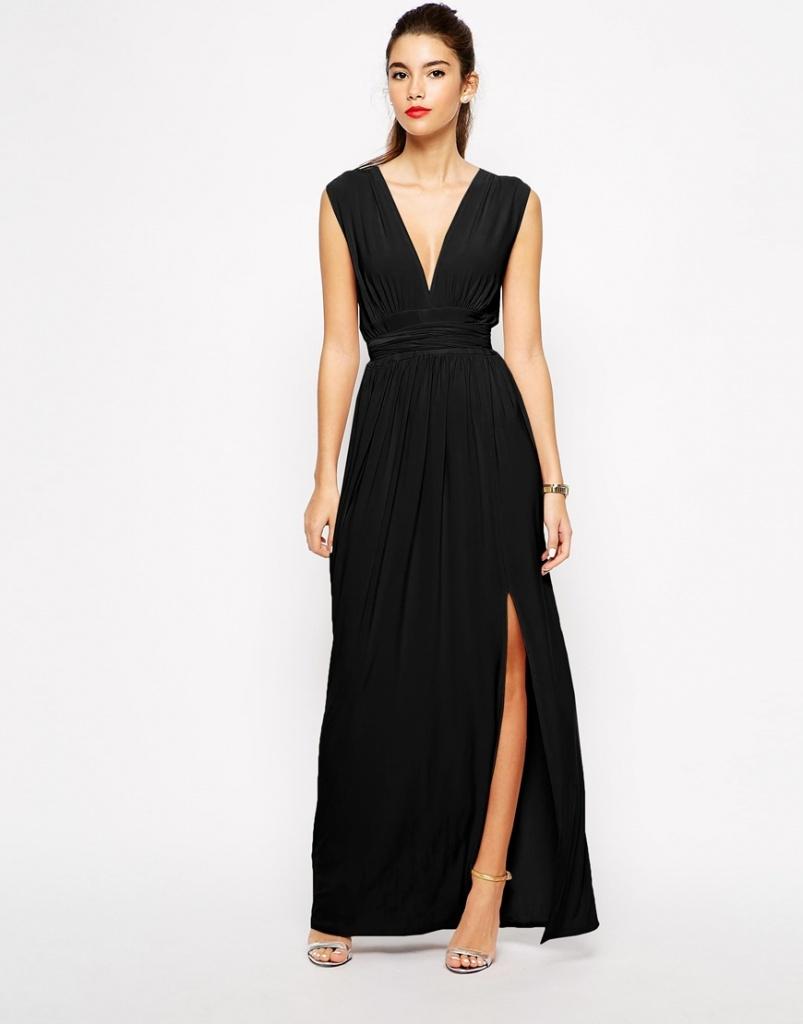 robe longue cocktail simple noire fendue sur une jambe devant