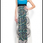 robe longue ete bicolore bleu et jupe blanche a motifs