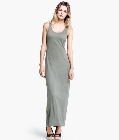 robe longue ete grise basique pres du corps