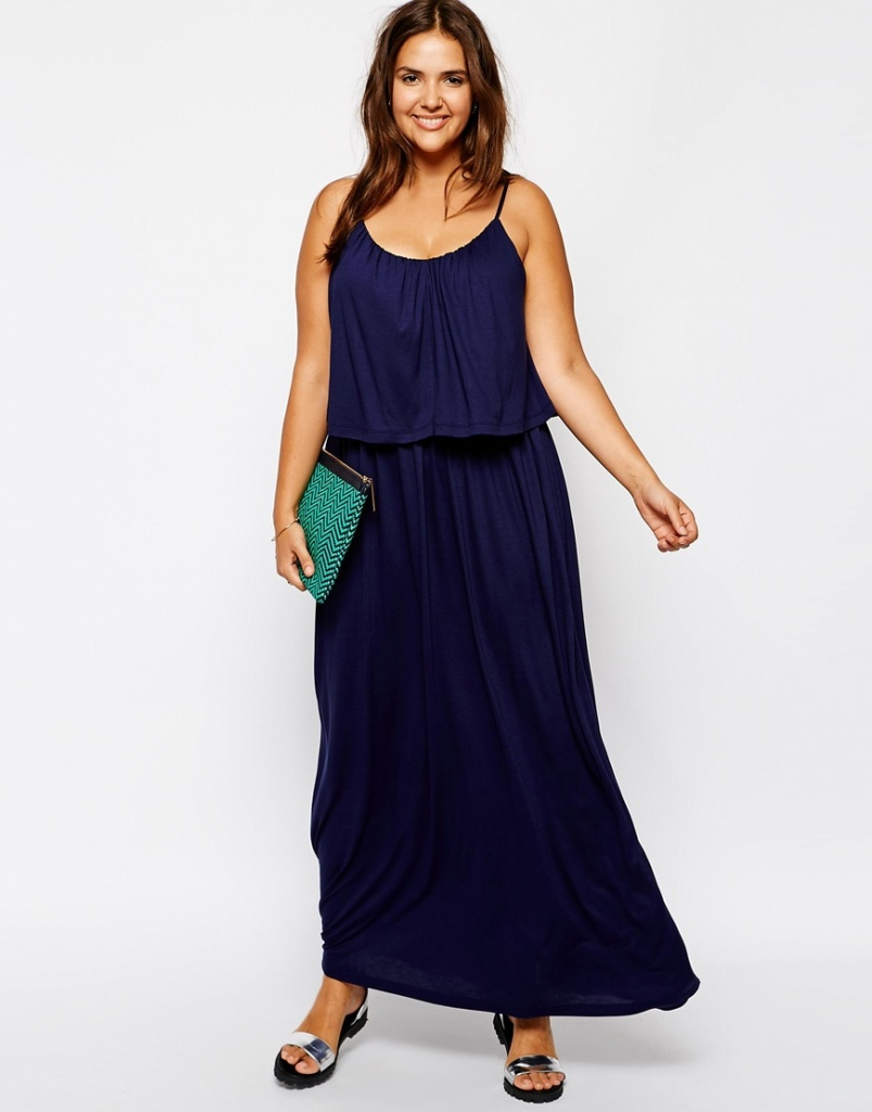 robe longue grande taille fine bretelle ceinturee bleu nuit