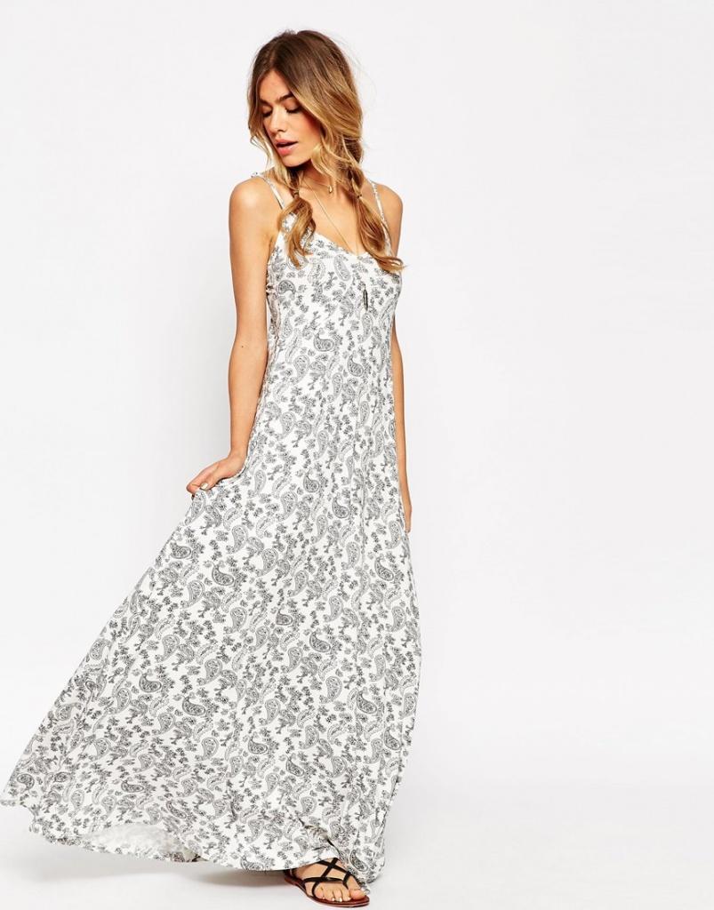 robe maxi ete blanche imprime gris clair a bretelles fines