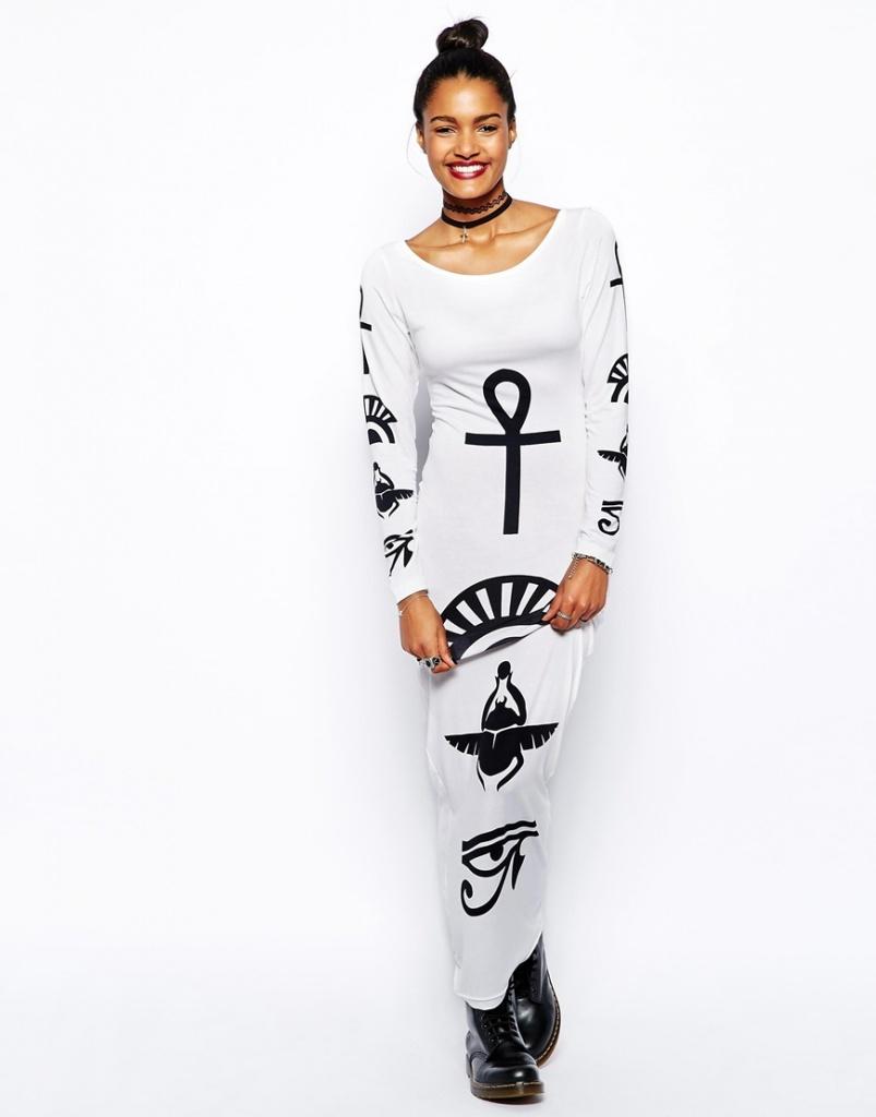 robe blanche motifs noirs moulante hiver
