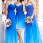 demoiselles d honneur en robe longue bustier bleu roi et plus clair en degrade