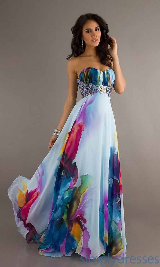 robe longue bustier ete blanche et tres coloree