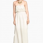 robe longue bustier hm blanche dentelle et resserree a la taille
