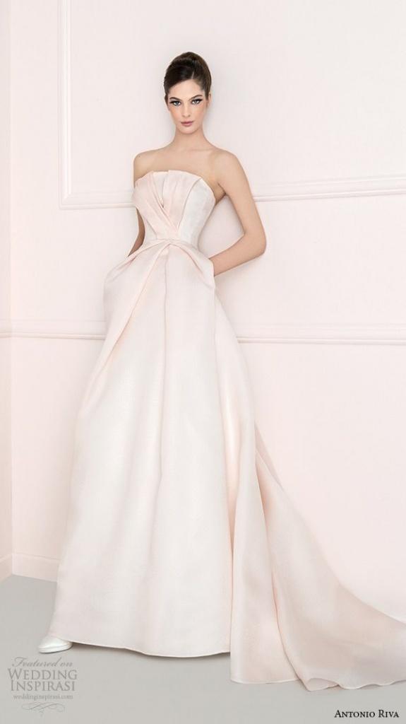 robe longue de mariee bustier avec belle traine blanche