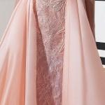 robe longue rose pale effet croise sur le bustier