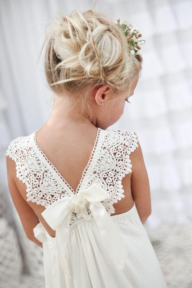 Adorable robe longue blanche dentelle avec noeud pour petite fille