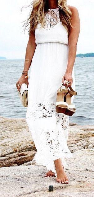 Belle robe blanche longue dentelle broderie anglaise la