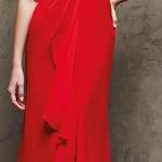 Belle robe longue habillee rouge avec manches en dentele