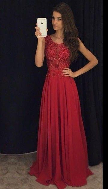 Jolie robe longue de bal rouge dentelle sur bustier