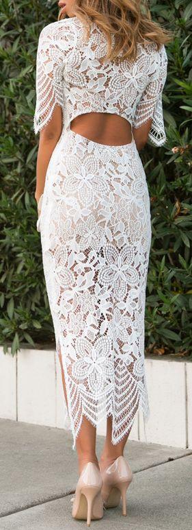 Longue robe blanche full dentelle ras des cheville