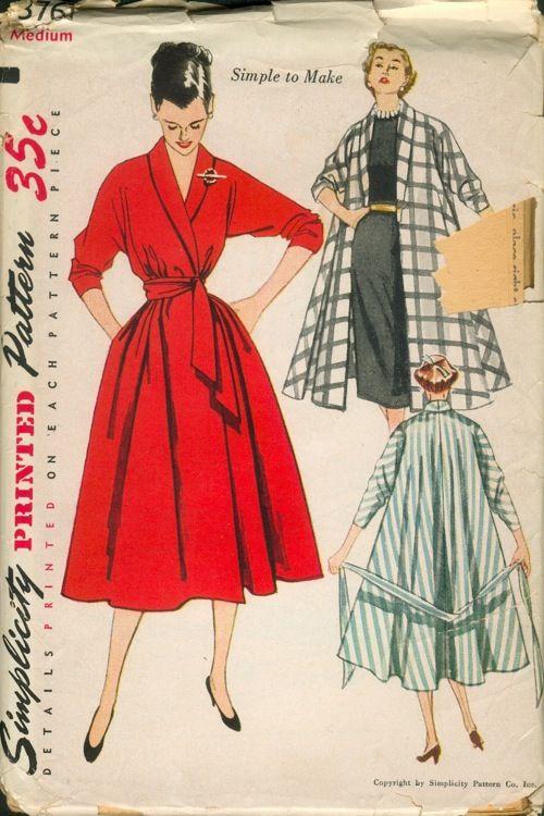 Modele robe vintage rouge mi longue avec large ceinture
