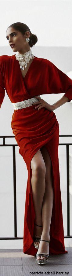 Robe asymetrique longue femme rouge avec strass