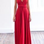 Robe de soiree longue rouge joli decollete jupe fluide