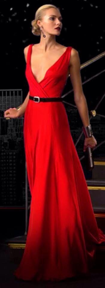 Robe de soiree longue rouge petite ceinture noire