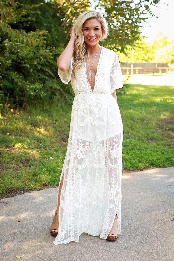 robe longue blanche dentelle transparente voile tres decollete la robe longue. Black Bedroom Furniture Sets. Home Design Ideas