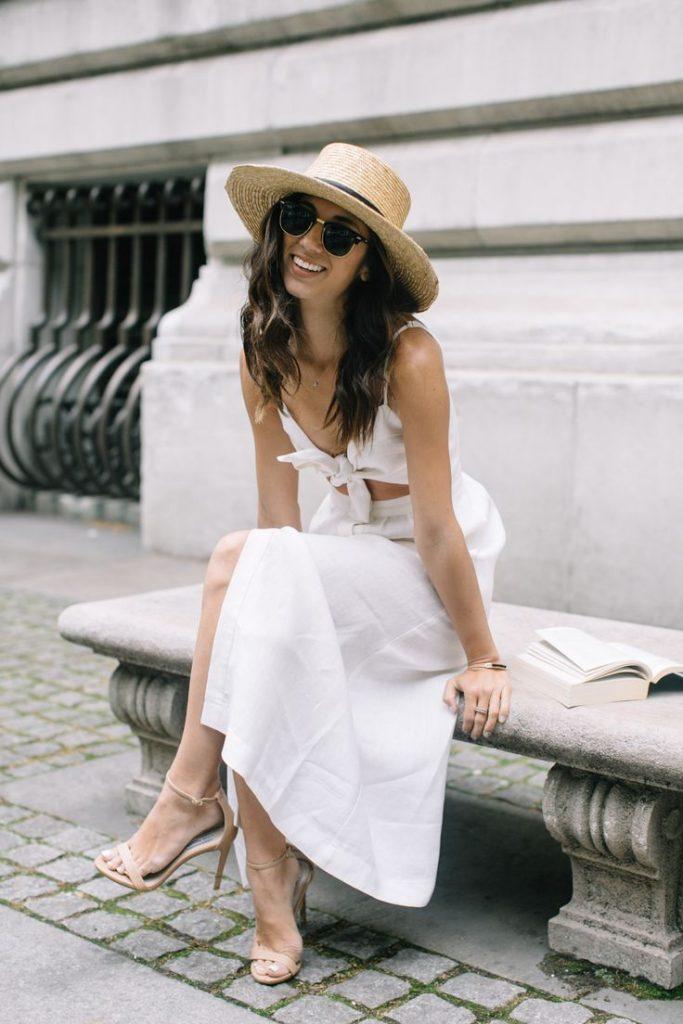 Robe longue blanche ete corsage facon haut de bikini