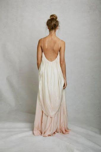 Robe longue blanche rose champagne fine bretelle dos nu