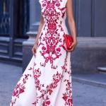 Robe longue blanche sans manche et imprime rouge pour mariage