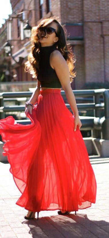 Robe longue femme jupon tres fluide rouge et haut noir