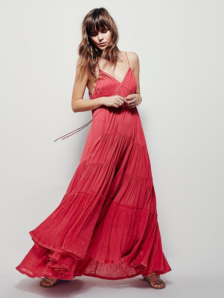 Robe longue rouge a volants voile fine bretelle pour ete