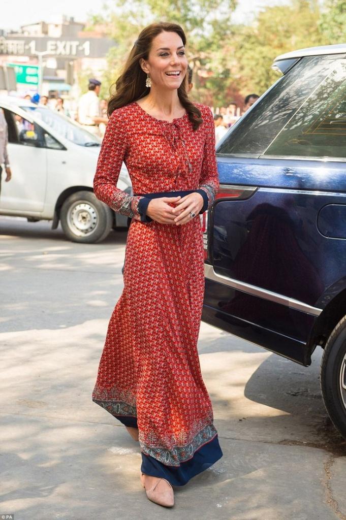 Robe longue rouge brique boheme de la princesse kate