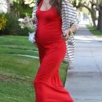 Robe longue rouge pour femme enceinte sans manche