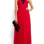 Robe longue soie drapee mango rouge avec collier noir integre