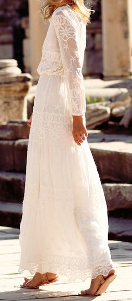 Robe manche longue blanche dentelle anglaise
