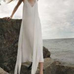 Robe mi longue blanche longue bretelle originale