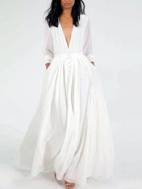 Robe tres fluide blanche longue avec profond decollete