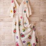 Adorable robe longue blanche fleurie dentelle et crochet