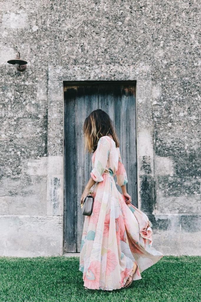 Belle robe longue fleurie mousseline ultra fluide pastel