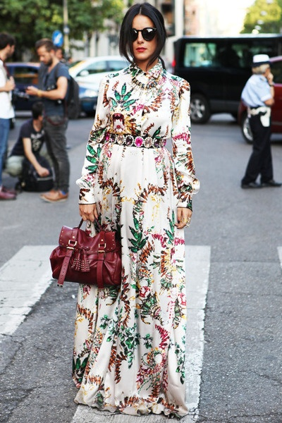 Robe a fleur manches longues et maxi longueur avec magnifique ceinture