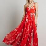 Robe a fleur rouge sur rouge ete tres fluide et longue