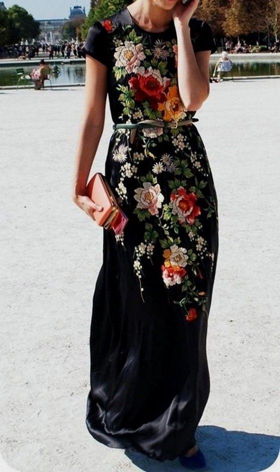 Robe a fleur tres longue noire satin ceinture coloree