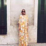 Robe fleur estivale imprime jaune orange fond blanc