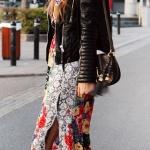 Robe fleurie monochrome et tres colore fendue beau contraste
