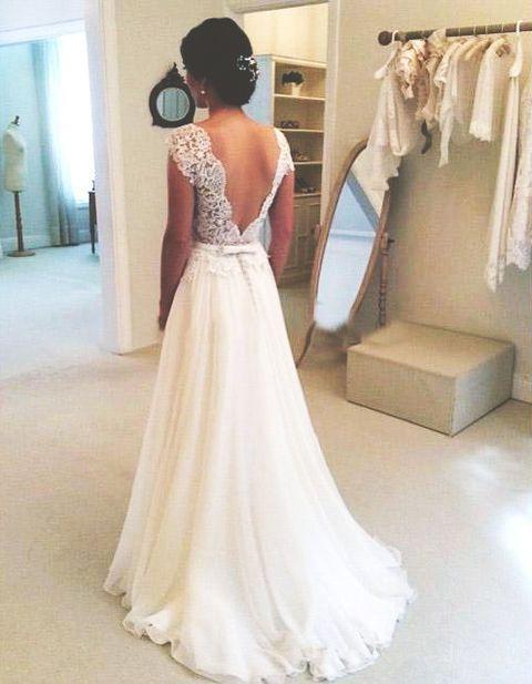 Magnifique robe de mariee en mousseline longue et haut dentelle dos nus