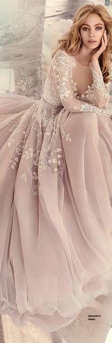 Magnifique robe longue mousseline fine champagne et dentelle surpiquee