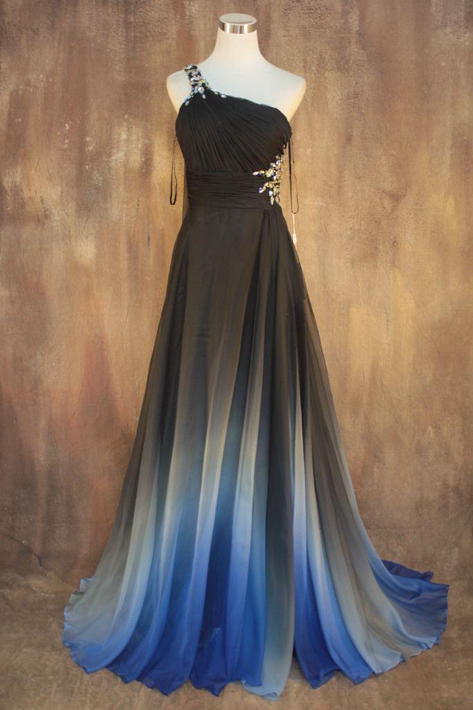 Robe en mousseline longue manche asymetrique noire et degrade bleu sur le bas