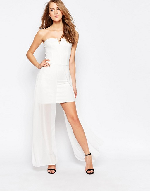 Robe ete bustier blanche asymetrique avec jupe en mousseline