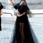 Belle robe en tulle longue noire toute en transparence