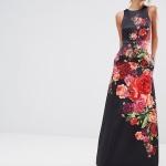 Belle robe sans manche longue noire avec roses en couleurs en surimpression