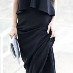Jolie robe longue noire sans manche ras de cou