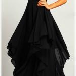 Jolie robe noire a volants sans manche